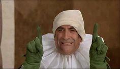 humour - Fou de gif animé et de film La folie des grandeurs - Louis de Funès - 1971