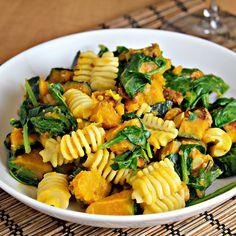 Vegetarian Butternut Squash Carbonara   from http://www.joanne-eatswellwithothers.com/2011/10/recipe-vegetarian-butternut-squash.html