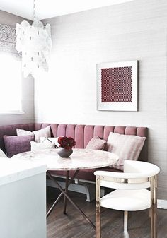 pink banquette white chair grey gray grasscloth kitchen breakfast nook interior design decor home house pillows eating dining room Dining Nook, Dining Room Design, Kitchen Design, Dining Tables, Dining Set, Dining Chair, Interior Design Minimalist, Simple Interior, Sweet Home