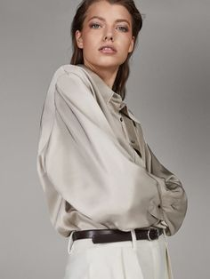 Women´s Catwalk Collection at Massimo Dutti online. Enter now and view our Spring Summer 2019 Catwalk Collection collection. Satin Blouses, Shirt Blouses, Shirts, France Mode, Style Minimaliste, Oufits Casual, Catwalk Collection, Winter Mode, Minimal Fashion