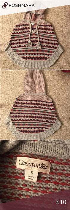 Super adorable hooded poncho. Pairs so well with dark skinny jeans! Sweaters Shrugs & Ponchos
