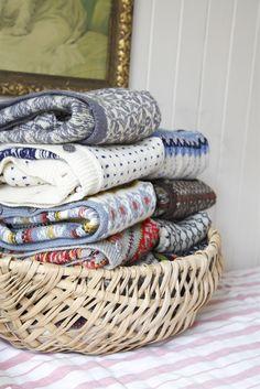 Livs Lyst: DEN STORE KOFTEJAKTEN - gratis oppskrifter på flere kofter // norwegian wool sweaters