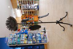 Il girasole solare: fatto con cerchi di vecchie botti