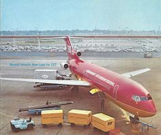 Braniff International Boeing 727-227 N403BN on the cover of the October 1971 edition of Airline Management Magazine. (Photo: Braniff/Airline Management Magazine)