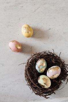 DIY Pasqua: uova decorate con la foglia oro