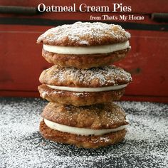 I instantly think of you whenever I see one of these cookies! - Oatmeal Cream Pies are soft and chewy oatmeal cookies with a cream cheese filling. Köstliche Desserts, Delicious Desserts, Dessert Recipes, Yummy Food, Dessert Food, Funnel Cakes, Oatmeal Cookie Recipes, Oatmeal Cookies, Yummy Treats