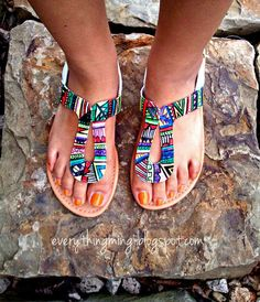 DIY sandal design with FABRIC MARKERS by SHARPIE