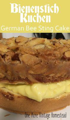 German Desserts, Just Desserts, German Recipes, Food Cakes, Cupcake Cakes, Cupcakes, Bienenstich Cake, German Bee Sting Cake, Cherry Pie Bars