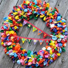 Feature Friday: by @Kara Harvey Happy-Go-Lucky: Balloon Birthday Wreath {Pinterest Challenge Project}- So FUN!