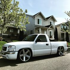 01-02 HD hood on a GMC...Finally found a pic! - Diesel ...