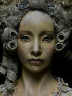 broken link, one of the most beautiful doll faces I´ve seen