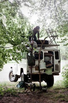 E 's truck