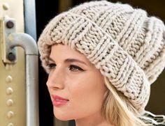 Описание вязания на спицах шапки крупной вязки из журнала  «Вязание. Burda» №1/2015