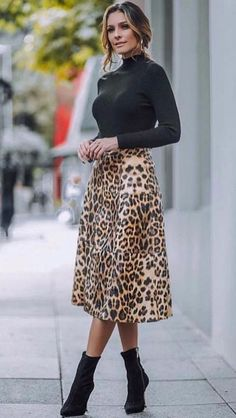 Jumpers and maxis street style in 2019 fashion, leopard print skirt, printe Winter Fashion Outfits, Modest Fashion, Look Fashion, Autumn Winter Fashion, Fall Outfits, Casual Outfits, Womens Fashion, Fashion Edgy, Cheap Fashion