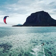 Stunning view at a flawless spot #kitesurfing #kiteboarding #kitesurfen #kitesurf #kitetrip #kitetravel #surftravel #surftrip #kitelove #kitebeach #kitespot #kitegirl #kitegirls #surfergirl #kite #surf #instagood #instacool #instadaily #instakite #instasurf #instanature #instatravel #beachlife #lovelife #picoftheday #travel #sun #kitelife #kitesista @maxmatissek