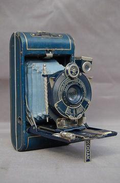 Antique Cameras, Vintage Cameras, Vintage Photos, Kodak Camera, Film Camera, 35mm Film, Retro, Folding Camera, Classic Camera