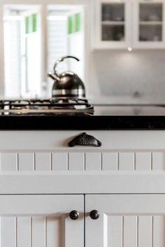 Granite door frame detail 70 Ideas for 2019 Custom Kitchen Cabinets, Kitchen Cupboards, New Kitchen, Granite Benchtop, Kitchen Benchtops, Cupboard Doors Makeover, Closet Door Makeover, Sliding Door Design, Room Door Design