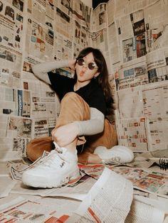 Studio Photography Poses, Creative Portrait Photography, Photography Poses Women, Tumblr Photography, Creative Portraits, Indoor Photography, Inspiring Photography, Stunning Photography, Photography Tutorials