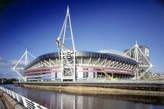 The Millennium Stadium, Cardiff. The home of Welsh Rugby Union and the National Stadium of Wales. Cardiff Bay, Cardiff Wales, Visit Cardiff, Cardiff Millenium Stadium, Cities In Wales, Cardiff University, British And Irish Lions, Welsh Rugby, Arquitetura
