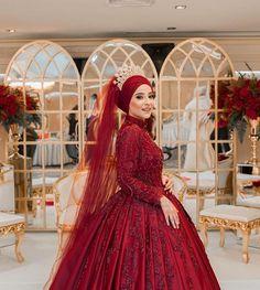 """Instagram'da Gönül Kolat Susam: """"Kına ❤️ bugünse düğüne hazırlık 💍"""" Turkish Wedding Dress, Muslim Wedding Gown, Red Wedding Gowns, Muslimah Wedding Dress, Hijab Style Dress, Hijab Wedding Dresses, Bridal Dresses, Bridesmaid Dresses, Wedding Hijab Styles"""