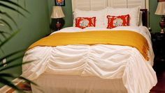 Fiddler's Inn Bed and Breakfast: Extra comfy pillow top mattresses, and top-of-the-line linens!