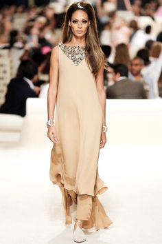 Chanel Resort 2015  http://tempodadelicadeza.com.br/2014/05/23/chanel-resort-collection-2015/