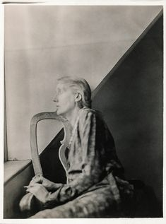 Virginia Woolf at Monk's House: undated Virginia Wolf, Duncan Grant, Vanessa Bell, Bloomsbury Group, Cinema, Writers And Poets, Love People, Historical Photos, Old Photos