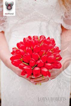 simple red tulip bouquet