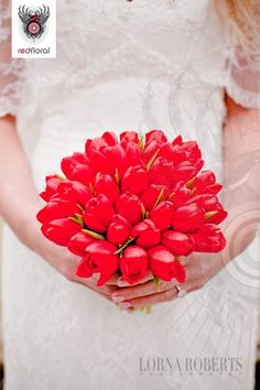 simple red tulip bouquet