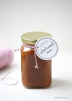 Homemade salted caramel sauce with free printable tags! Only 4 ingredients to make and done in 15 minutes.