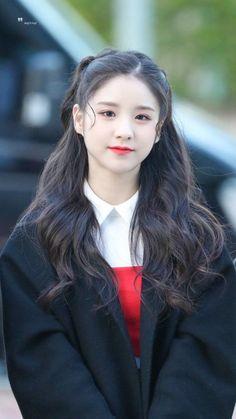 Heejin (so cute! Pretty Korean Girls, Cute Korean, Beautiful Asian Girls, South Korean Girls, Korean Girl Groups, These Girls, Cute Girls, Loona Kim Lip, Sooyoung