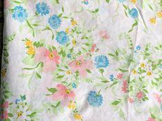 Vintage Floral Pastel Flowers Full Flat & Fitted Sheet Set JC Penney #JCPenney Brown Flowers, Pastel Flowers, Pink Roses, Retro Floral, Vintage Floral, Vintage Bedding, Bath Linens, Pillow Set