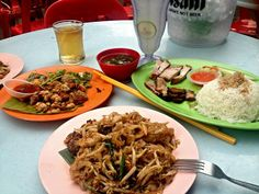 Food in Penang - Red Garden food centre