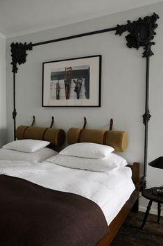 Chez Raul : Déco équestre assumée jusqu'au lit - Nuit customisée dans un appartement privé - CôtéMaison.fr