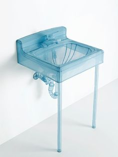 Dp Ho Suh - Specimen Series: Basin, Apartment A, 348 West 22nd Street, New York, NY 10011, USA, 2015. Polyester fabric, stainless steel wire, and display case with LED lighting, 117 x 81 x 71 cm