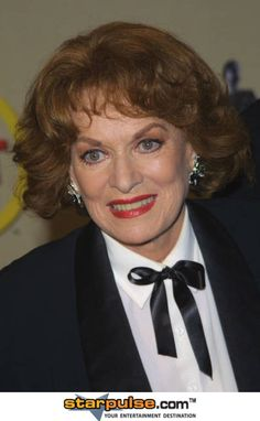Maureen OHara - (8/17/1920 - 10/24/15) Died at the age of 95 in her sleep ... in her own home! She will truly be missed! RIP & God Bless! (: