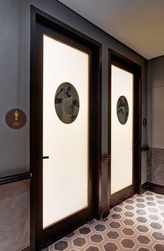 http://www.fabioongaratodesign.com.au/environments/qt-sydney