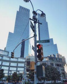 #manhattan #nyc #ny #newyorkcity #newyork #city #urban #cityscape #ig_nycity #urbano #skyscraper #sky #skyline #bluesky #blue #mirror #modern #reflections #architecture #architecturelovers #architectureporn #lines #street #columbuscircle #ilovenyc