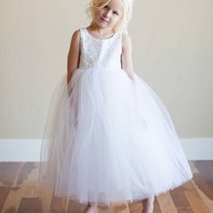 Are you interested in our ivory lace flower girl dress? With our Ivory lace bridesmaid dress you need look no further.