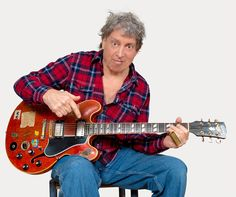 Ep#214 - Elvin Bishop - Elvin Bishop plays tracks from Can't Even Do Wrong Right and talks about the joy & danger of having your songs played at weddings. Also on this episode, country rock from Nancarrow, a Leadbelly cover by Dave Ray, a ballad by Jonathan Byrd, a rock & roll anthem by NQ Arbuckle, roots rock from Eliot Bronson, boogie blues from John Dee Holeman, a beautiful crooner by Emma Swift, folk-rock from Shakey Graves, and some swingin' blues from Luke Winslow-King.