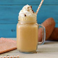 Sweet Potato Pie Smoothie - A light, sweet smoothie, made with sweet potatoes, maple syrup and spices. It tastes just like sweet potato pie! ~ now this is a smoothie i can get into! Green Smoothie Recipes, Yummy Smoothies, Smoothie Drinks, Yummy Drinks, Nutribullet Recipes, Protein Recipes, Veggie Recipes, Yummy Food