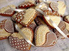 #perníky #zdobenéperníky #gingerbread Gingerbread Cookies, Valentines Day, Sugar, Desserts, Handmade, Amazing, Candy, Gingerbread Cupcakes, Valentine's Day Diy