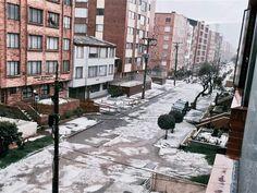 La fuerte granizada de este martes en Bogotá Street View, Outdoor, World, Slushies, Tuesday, Strong, Photo Galleries, Colombia, Outdoors
