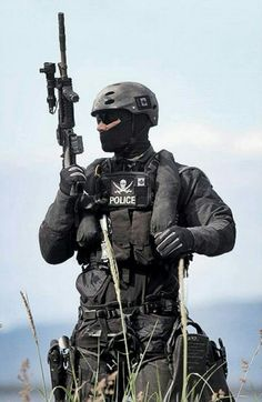 "task-force-66: "" RCMP ERT Maritime Response. "" These all black kits look unreal."