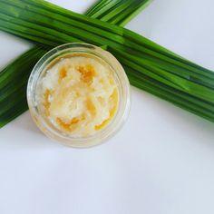 Lip scrub in citrus scent. Scrubs, Lips, Beauty, Food, Eten, Workwear, Beauty Illustration, Meals, Body Scrubs