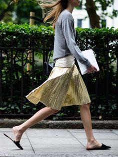 gold pleats. #VictoriaSekrier in London. #LCM