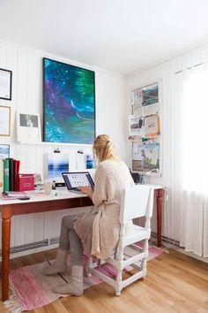 Hemma hos Jonna Jinton i norrländska Grundtjärn Uni Room, Room Of One's Own, Jonna Jinton, Modular Table, Art Studio Design, Design Awards, Scandinavian Style, Home Bedroom, Furniture Making