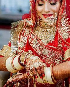 Indian Wedding, Wedding Ceremony, Bride, Bridal Jewellery, Traditional Jewellery, Rajasthani Jewellery, Jewellery, Rajput bride, Choora Bridal Jewellery, Wedding Jewelry, Manubhai Jewellers, Rajasthani Bride, Silver Toe Rings, Wedding Crashers, Indian Fashion Dresses, Fashion Bracelets, Bridal Style