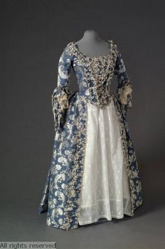 1750-1775 Dress at the Mode Museum, Antwerp