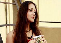 Taani (Anupriya Kapoor) drinking #tea. #celebrities